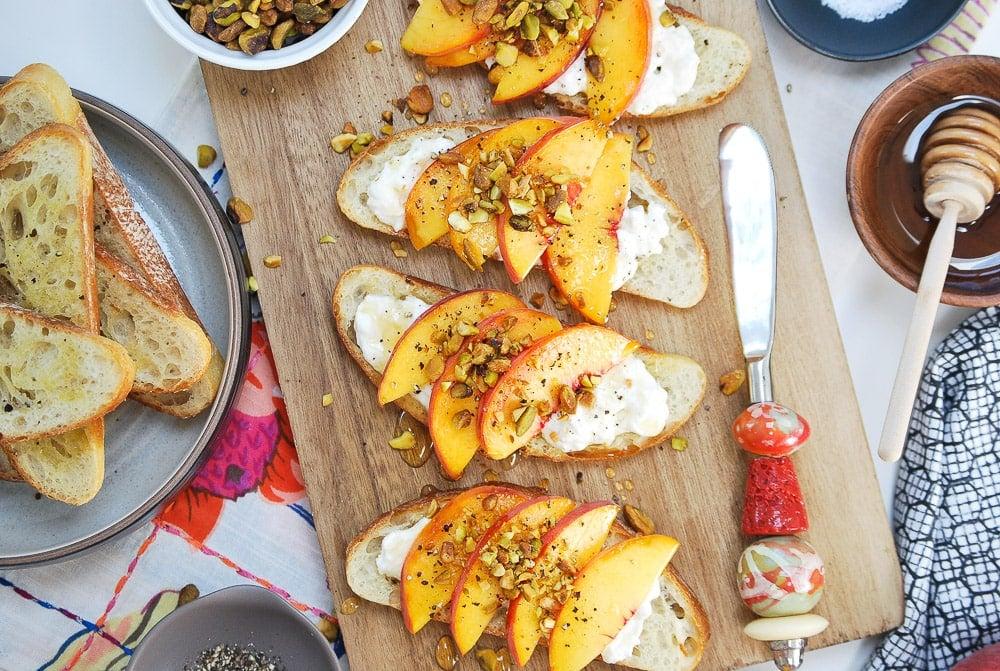 Peach Burrata Crostini-2