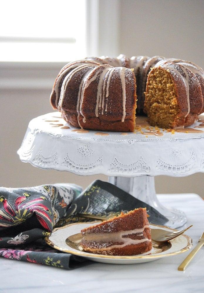 Pumpkin Cake with Cinnamon Vanilla Glaze-4