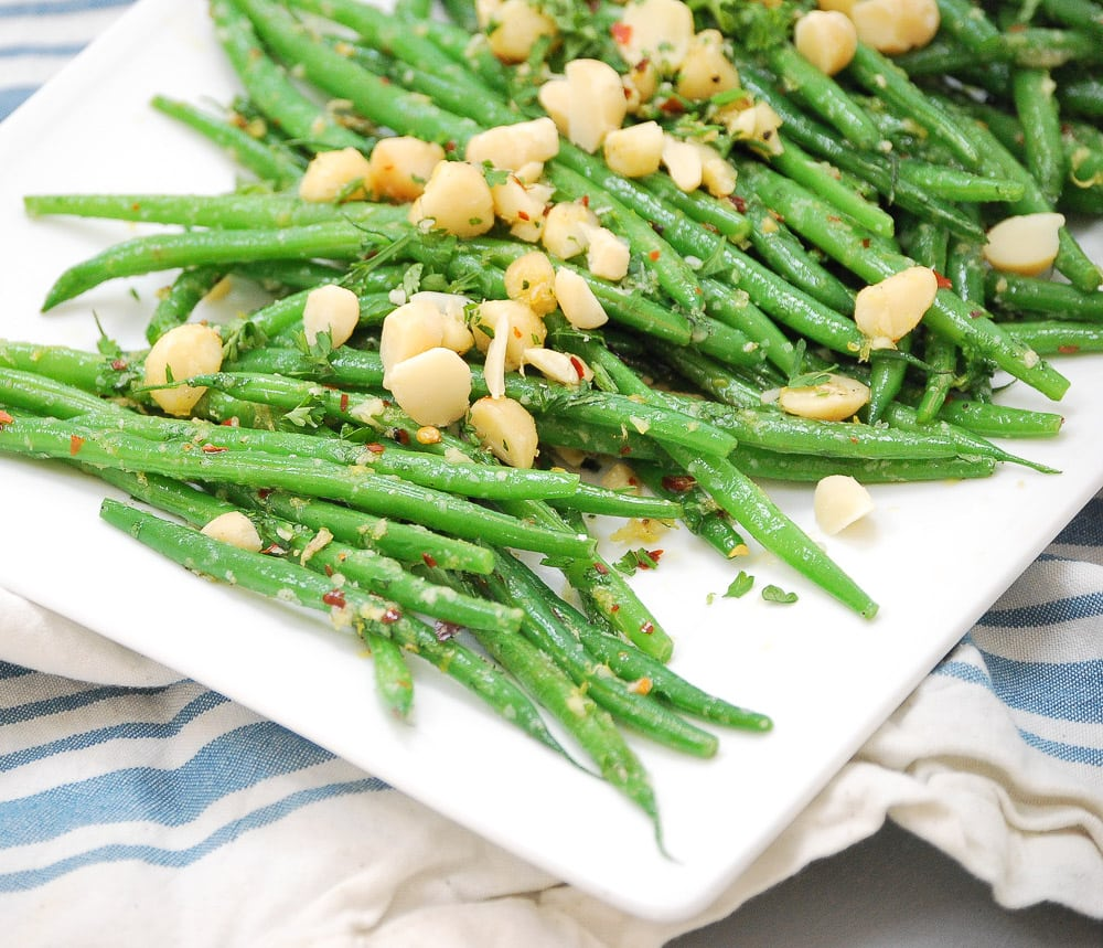 Spicy Green Beans with Crushed Macadamia Nuts_-6