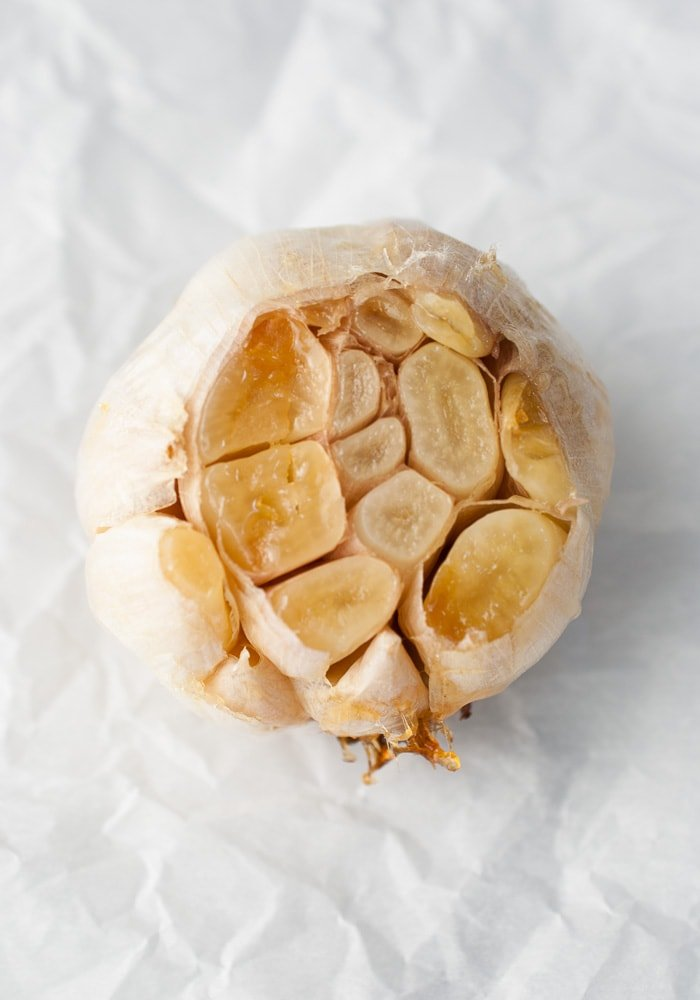 Roasted Garlic Hummus-2