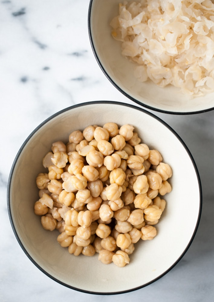 Roasted Garlic Hummus-3