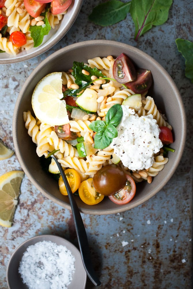 Simple Lemon Fusilli w- Zucchini, Tomatoes, & Spinach