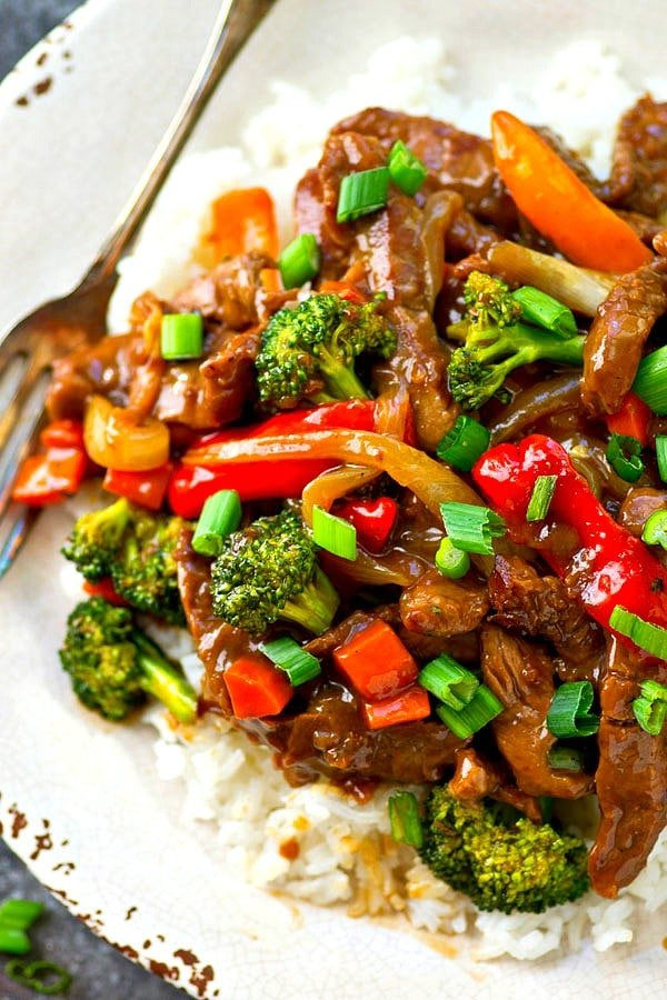 30-Minute-Mongolian-Beef-and-Vegetables-Skillet