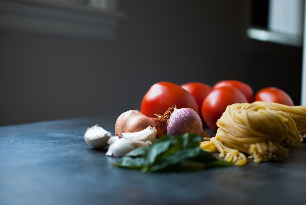 Fresh Tomato Basil Garlic Pasta